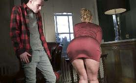 Masturbacja nastoletniej suczki - Malena Morgan