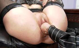 Duży penis w ciasnej szparce - Calenita - Mofos