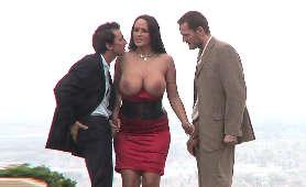 Porno Erotyk, Sukienka Carmella Bing