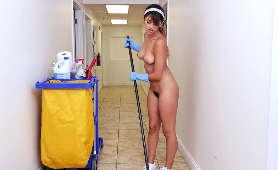 Filmiki Erotyczne Online, 18 Sophia Leone