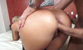 Sex Pornorzel, Duży Penis Dla Nina Elle